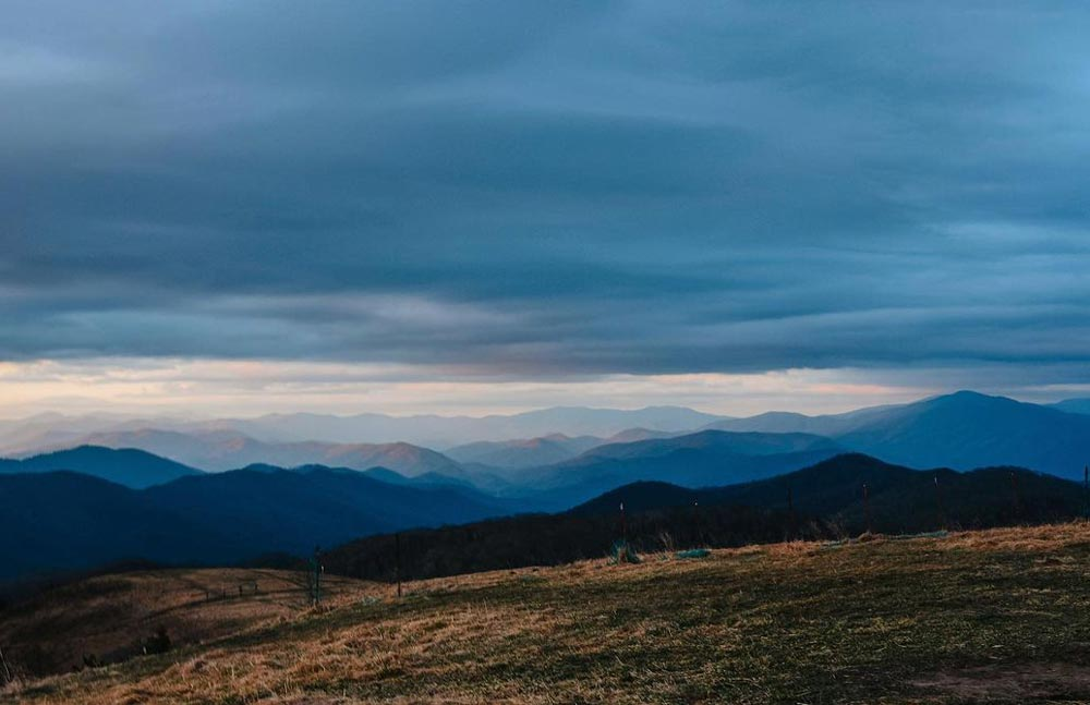 The Best Time to Visit Smoky Mountains to Avoid the Crowds