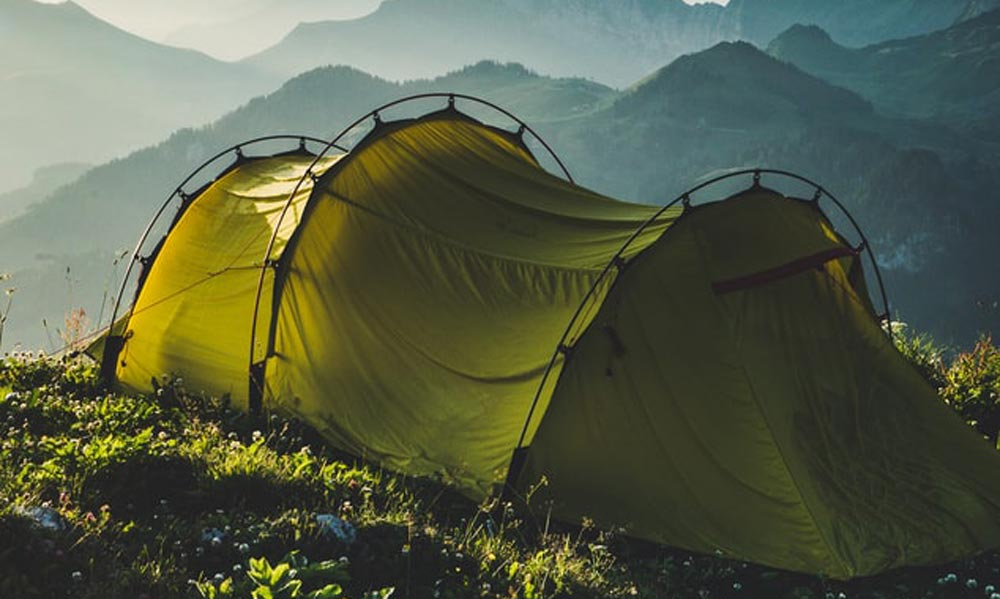 Fully-covering-Rainfly tent